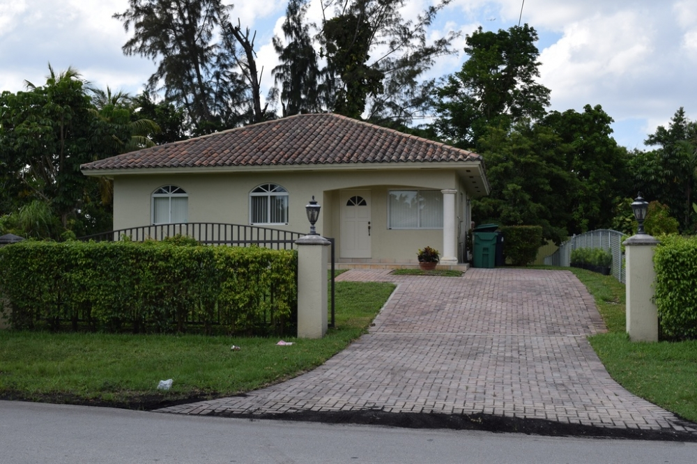 3 Bed  2 Bath. StudentRent com   Miami Florida Off Campus and Student Rental Housing